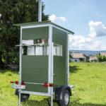 Rückansicht Kanzelair, der fahrbaren Jagdkanzel mit Fahrgestell